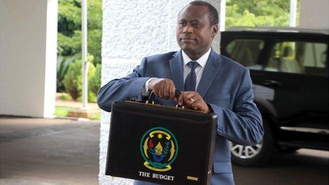 Minisitiri w'imari w'u Rwanda ajya kugeza ingengo y'imari ku Nteko y'u Rwanda