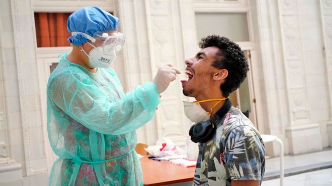 Teste de coronavírus em Cuba