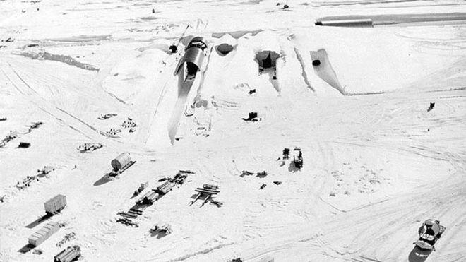 Photo de l'armée américaine des années 1960 représentant une base militaire