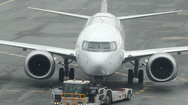 Boeing warns of potential wing faults in some 737 jets - BBC