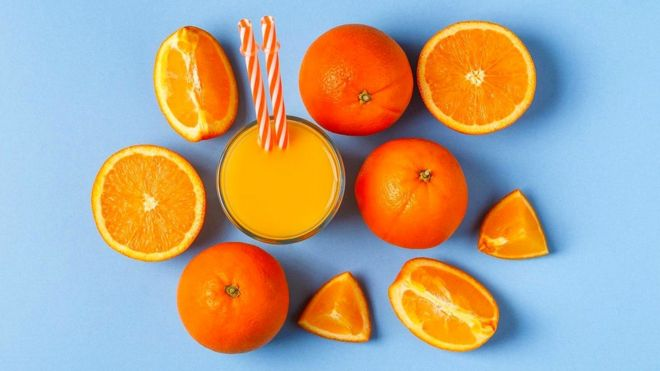 Поскольку большая часть клетчатки удалена из фруктового сока, его фруктозу можно считать одним из так называемых свободных сахаров, что, конечно, менее полезно для здоровья