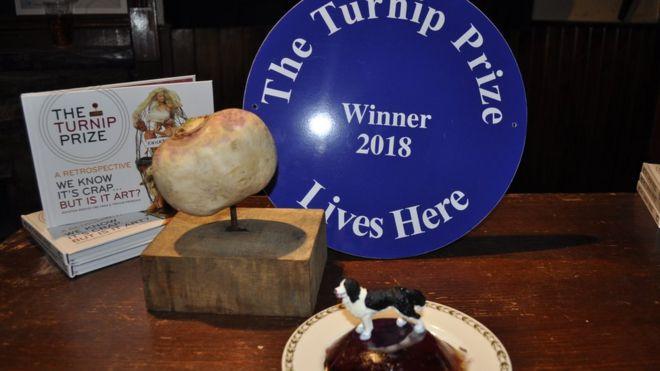 Turnip Prize 2018: Spoof art award winner announced - BBC News