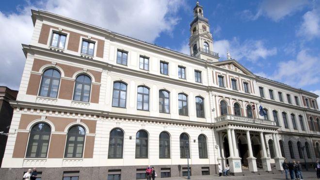 Здание рижской городской думы (архивное фото)