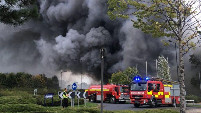 huge fire engulfs b m store in york retail park bbc news