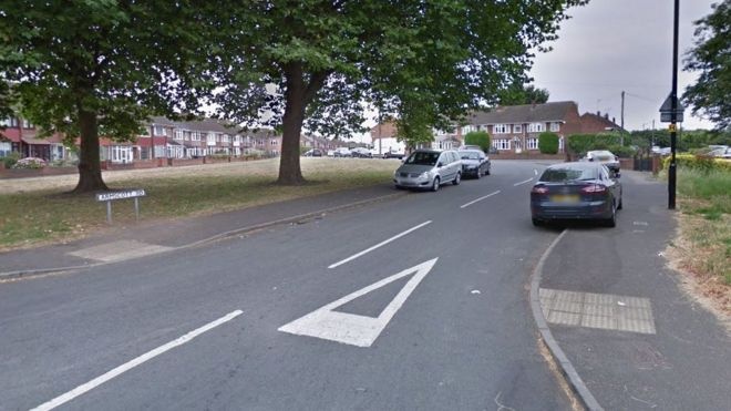 Man knocked from bike then stabbed in Coventry - BBC News
