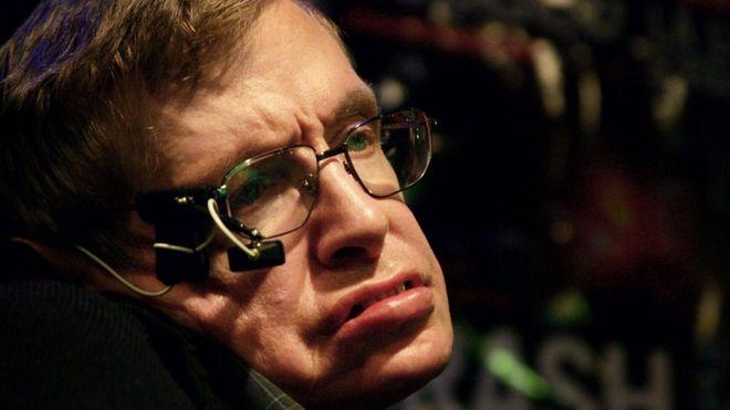 В Британии в возрасте 76 лет скончался ученый Стивен Хокинг