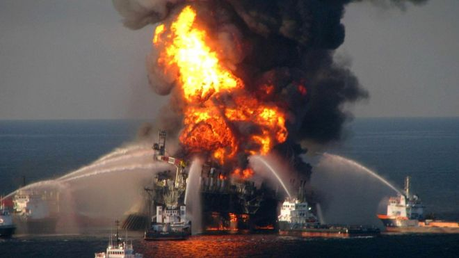 Как нам избежать таких катастроф, как разлив нефти после аварии на платформе Deepwater Horizon, если мы не способны мыслить критически?