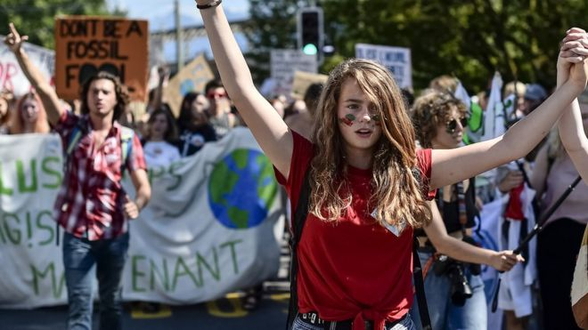 Manifestantes jovens