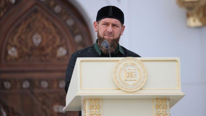 أحمد قديروف أثناء افتتاح المسجد