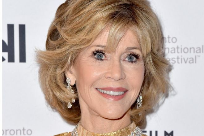 c5c600b0 Jane Fonda honoured for achievement in film - BBC News