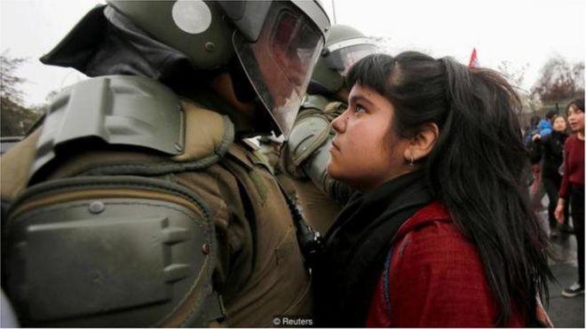 qız, polis, hərbçi