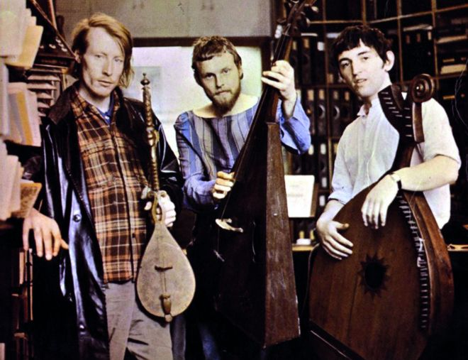 Clive Palmer, Robin Williamson and Mike Heron with instruments from music shop 1966