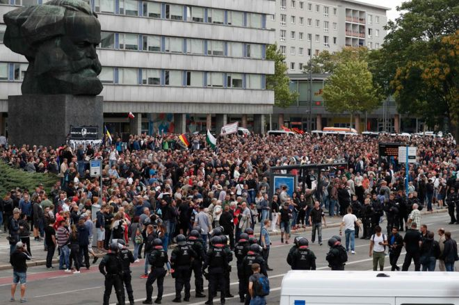 People demonstrate in Chemnitz, 27 August