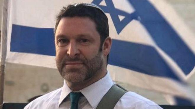 مليون دولار لعائلة مستوطن طعنه فلسطيني