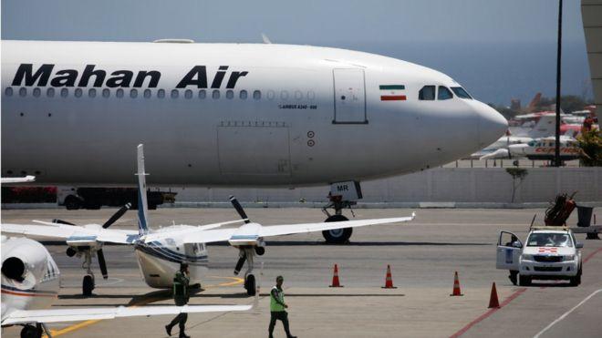 avião da companhia aérea iraniana Mahan Air no aeroporto Simón Bolívar, que serve Caracas