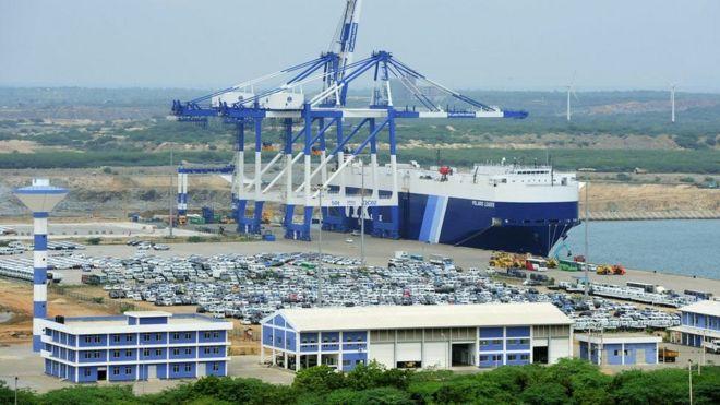 Sri Lanka đã phải bàn giao cảng Hambantota cho Trung Quốc để giúp trả nợ nước ngoài