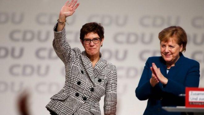 Merkel'in adayı ve CDU ile ilgili görsel sonucu