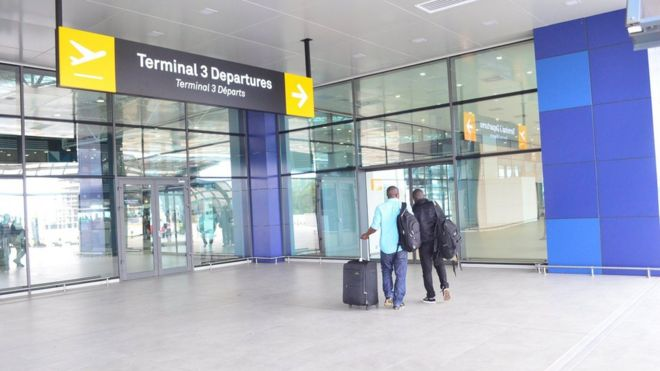 Ghana airport dey make Nigerians yimu dia goment - BBC News