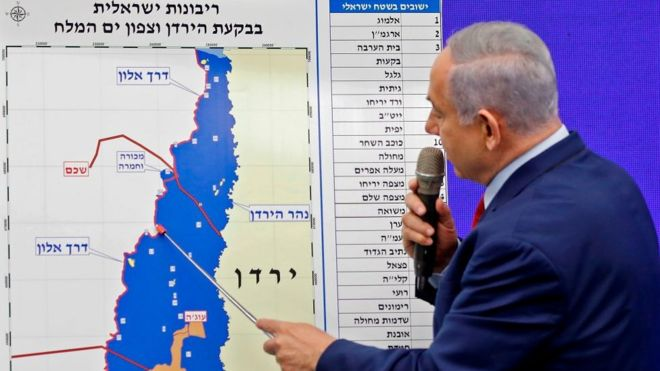 Беньямин Нетаньяху перед картой долины реки Иордан