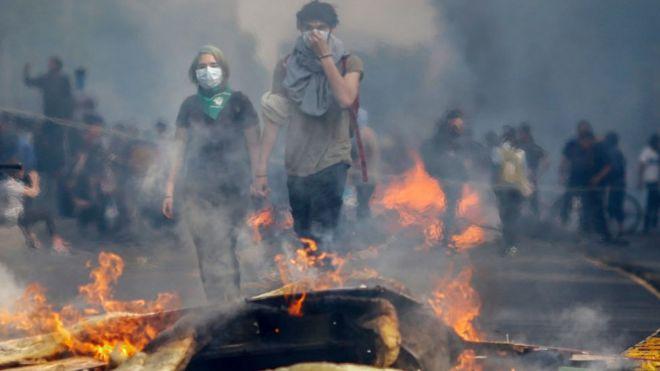 Resultado de imagem para violencia en manifestaciones en chile