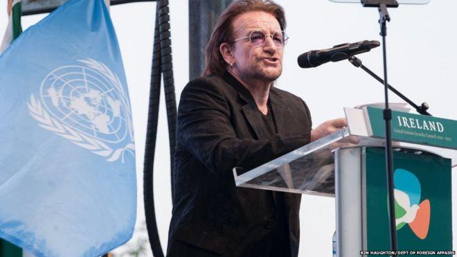 U2 singer Bono pays tribute to the UN