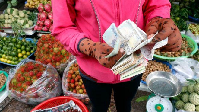 """Liệu Việt Nam có bị Mỹ coi là """"thao túng tiền tệ""""?"""