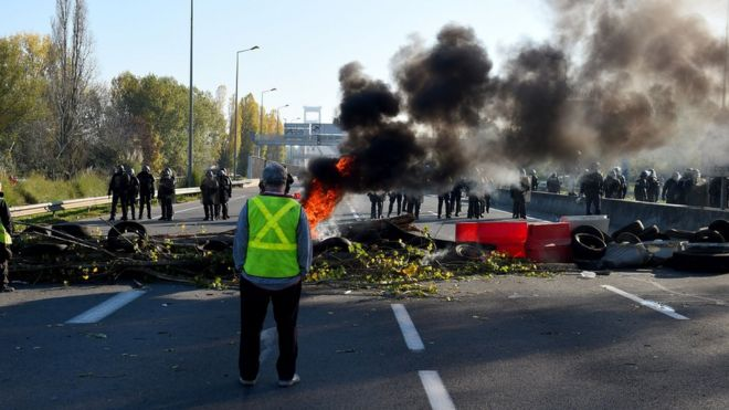 Riot police face protestors blocking the ring-road in Bordeaux 1f4130ca7