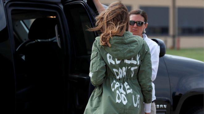 Melania Trump mặc áo 'Tôi không quan tâm' đi thăm trẻ nhập cư - BBC