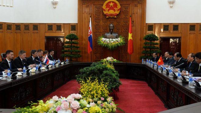 Phái đoàn Slovakia gặp phía Việt Nam trong chuyến thăm chính thức của Thủ tướng Slovakia Robert Fico hồi tháng 7/2018