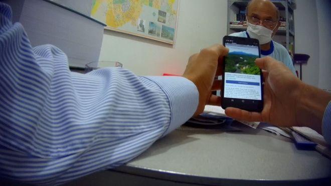 Alcimar Araújo da Silva em seu escritório