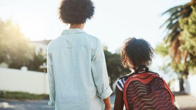 494ee6aff0f1b Should schools impose a dress code on parents? - BBC News