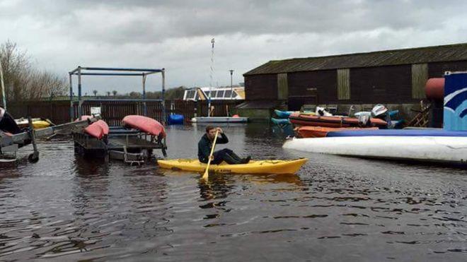 Storm Desmond: In pictures - BBC News
