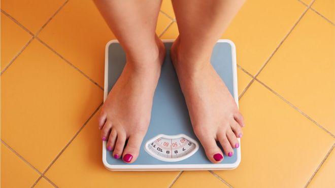 Doenças relacionadas ao excesso de peso não ameaçam apenas obesos, diz estudo