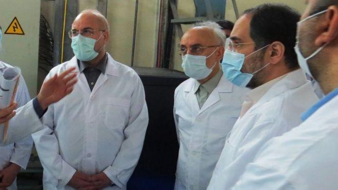 سن البرلمان الإيراني في شهر ديسمبر/كانون أول قانونا يلزم الحكومة الإيرانية بتشغيل مصنع اليورانيوم في منشأة إصفهان خلال خمسة شهور