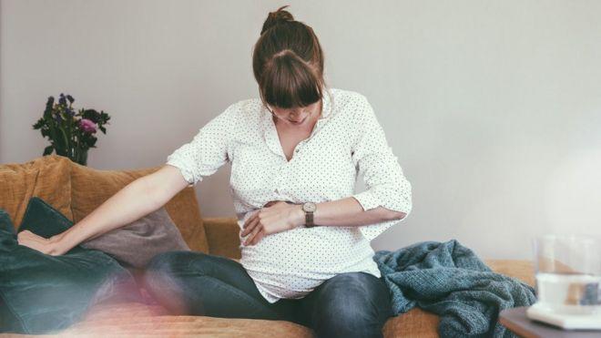 No paro de vomitar y estoy embarazada