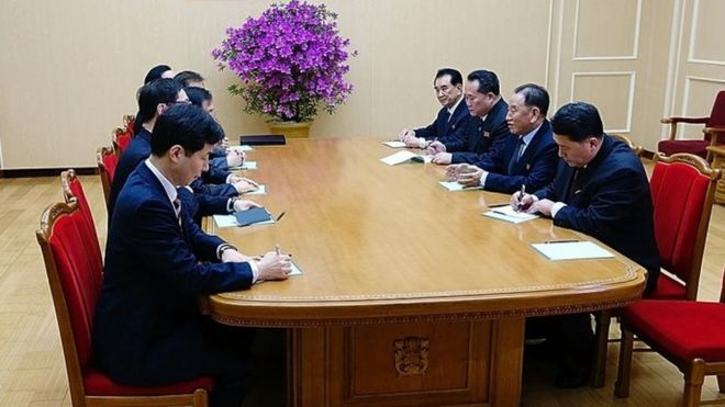 In this handout image provided by the South Korean president's office, Kim Yong-Chol (2nd right), vice-chairman of North Korea's ruling Workers' Party Central Committee, talks with South Korean delegation in Pyongyang, North Korea. Photo: 5 March 2018