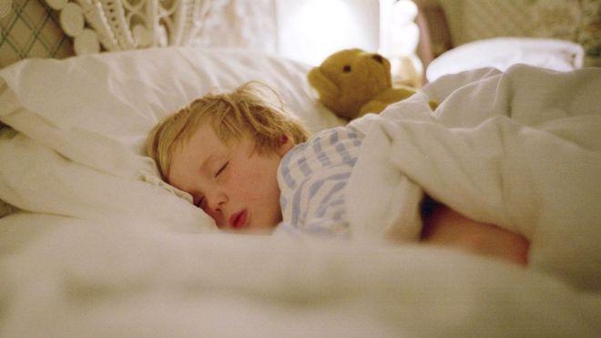 Сейчас многие компании заняты тем, чтобы разработать методы, помогающие их клиентам достичь более глубокого погружения в фазу медленного сна