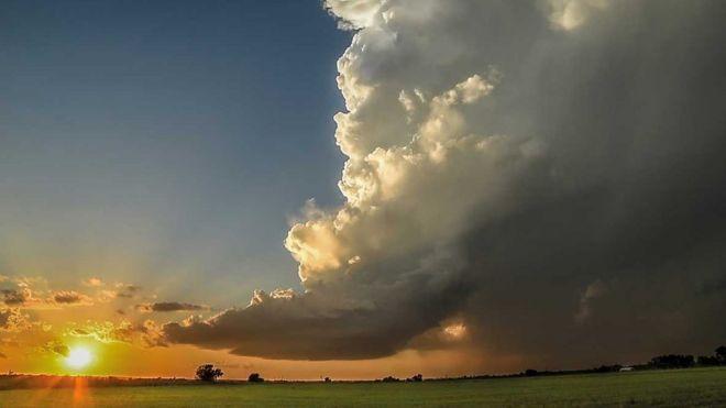 Tonlarca ağırlıktaki bulutlar nasıl havada kalıyor?