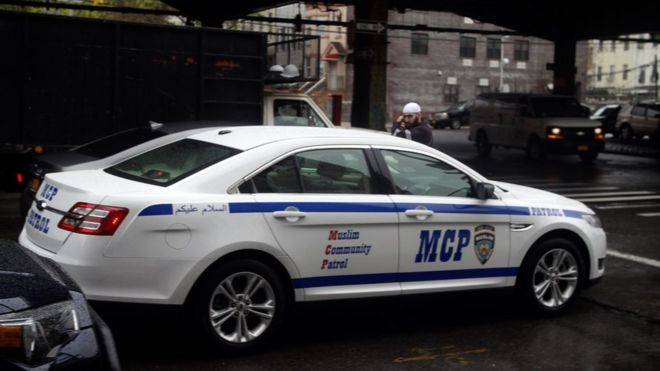 Who are the Muslim community patrols protecting US mosques