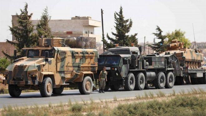 TSK'nın İdlib çevresine gönderdiği askeri konvoy, Şam ile Halep arasında görüntülendi.