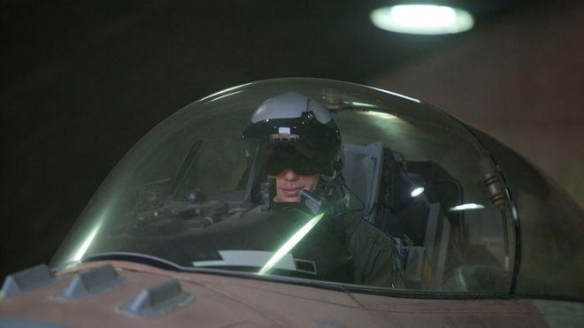 Piloto israelense em um F-16