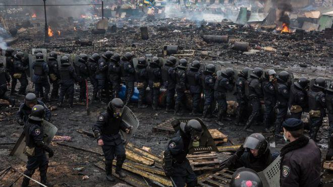 Можно ли обменять обвиняемых в расстреле Майдана на пленных? Для Украины это тяжелое решение