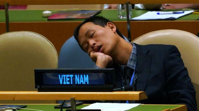 Một đại biểu của Việt Nam ngủ trong lúc diễn ra phiên thảo luận chung tại Đại hội đồng LHQ thứ 73 hôm 25/9