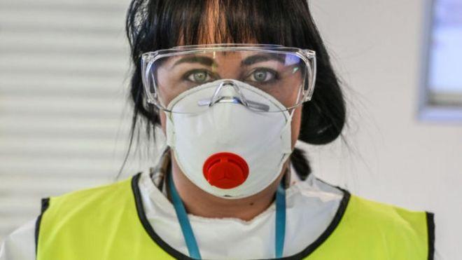 Trabajadora de la salud en Italia