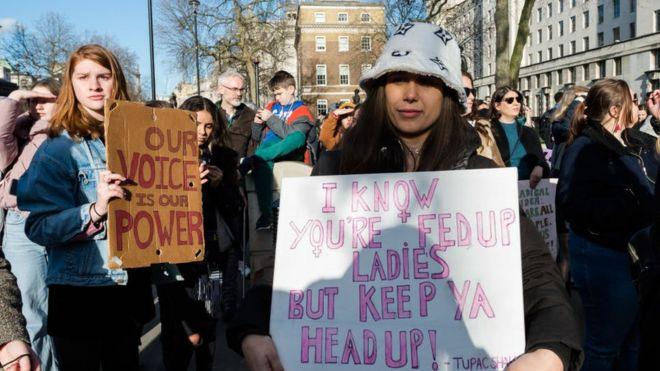 Một cuộc biểu tình diễn ra vào ngày 18/1/2020 tại London, Anh. Đây là một phần của các cuộc biểu tình chống bất bình đẳng toàn cầu, diễn ra ở hơn 30 quốc gia trên thế giới.