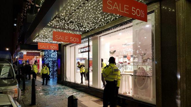 f5710e26f501 Oxford Street panic  Woman hurt after  shots fired  false alarm ...