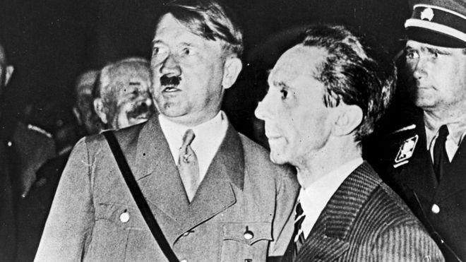 Некоторые историки утверждали, что сатирически изображать нацистов - это неверно с моральной точки зрения