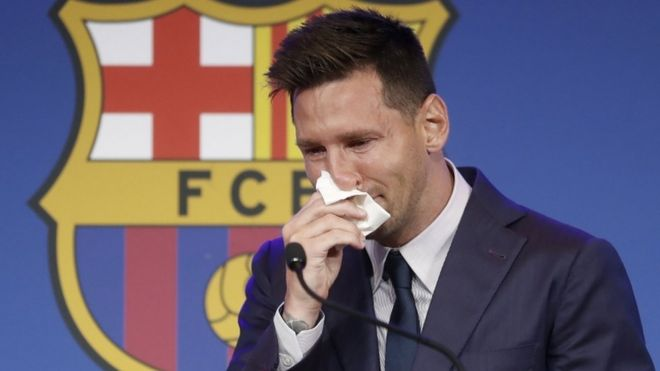 ليونيل ميسي يبكي