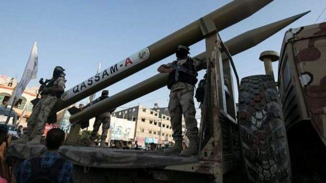 المقاومة الفلسطينية تستعرض صواريخها