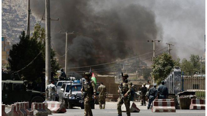 الأدخنة تتصاعد بعد هجوم في كابول